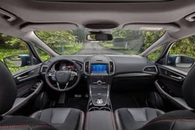 interior del Ford S-Max 2020